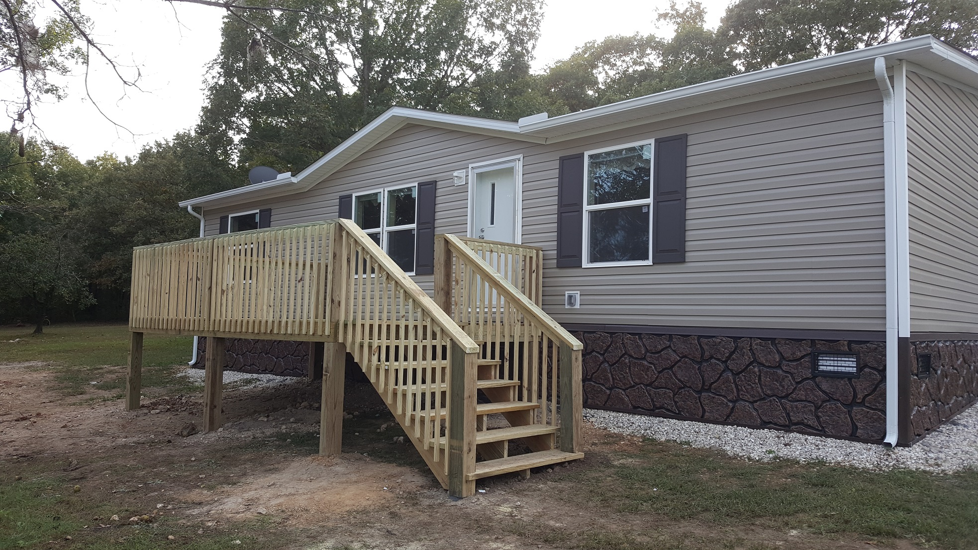 10 215 16 Deck And Gutters On New Double Wide Weavers Exteriors